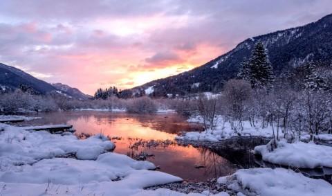 mountain-winter-lake-Dreamy