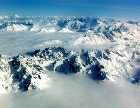 mountains-view-sky-snow-AidaSadzak
