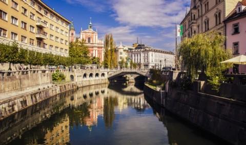 river-city-reflection-Dreamy